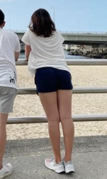 稲見萌寧 脚 スタイル